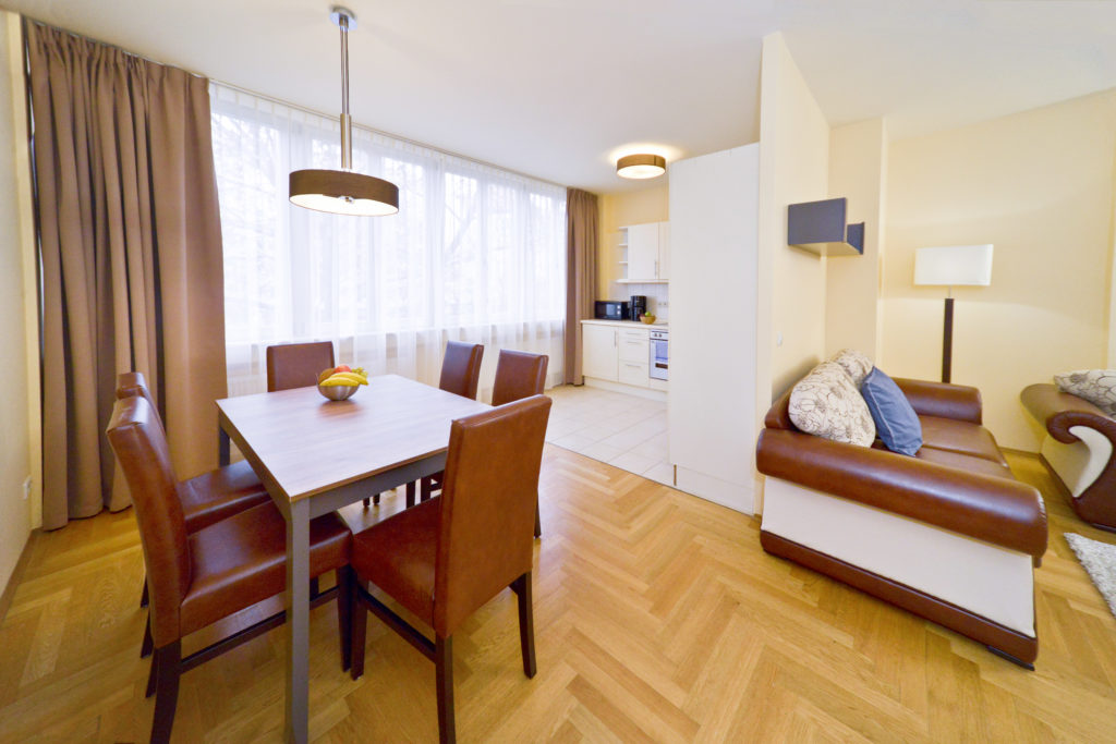 2 Schlafzimmer Apartments / Two Bedroom Apartments