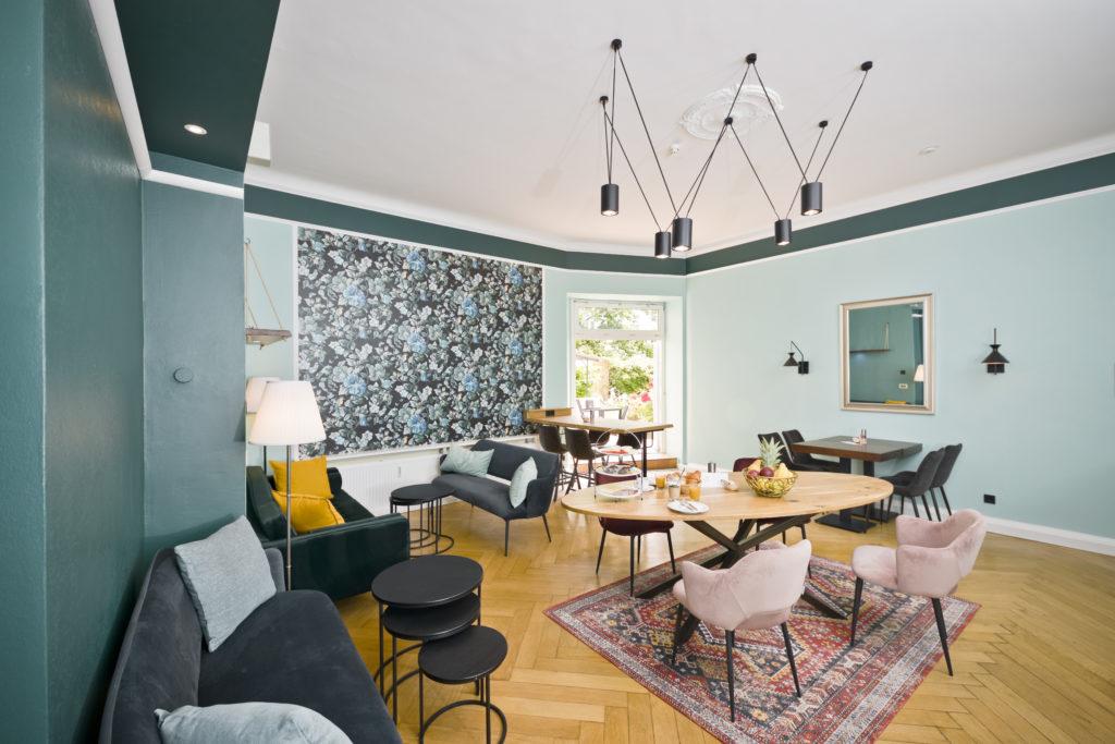 Lounge - AMC Hotel